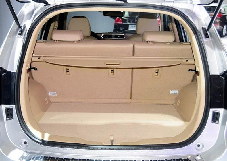Great-Wall-Haval-H2-2014-2015-bag